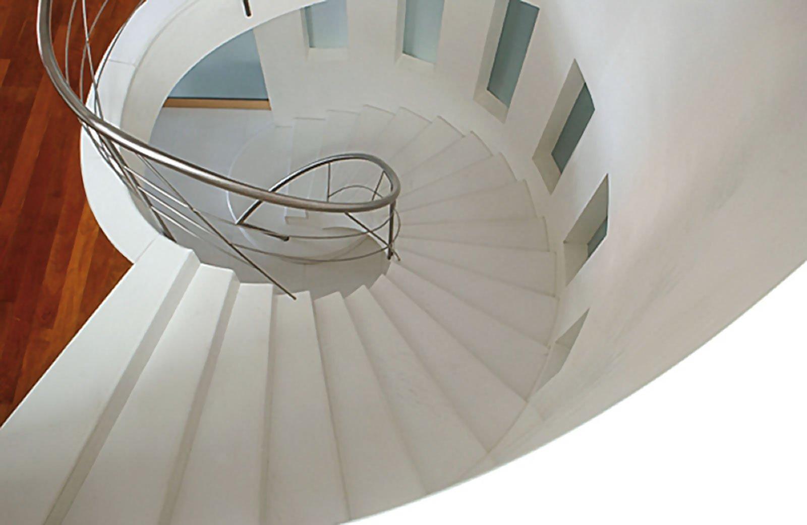 marmo-bianco-sivec-scala-a-chiocciola